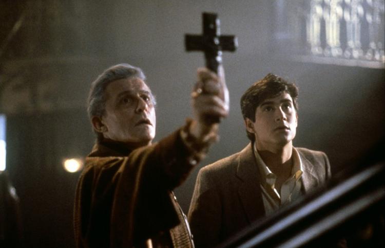 Top 100 mejores peliculas de vampiros de la Historia - 16 - Noche de Miedo 1985