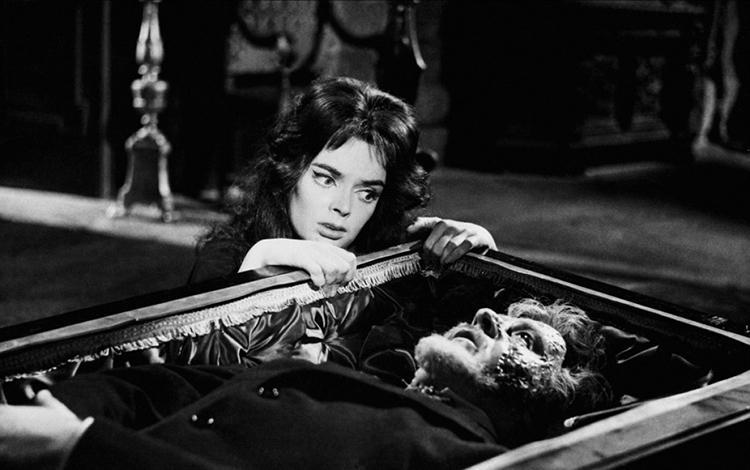 Top 100 mejores peliculas de vampiros de la Historia - 63 - La Máscara del Demonio 1960