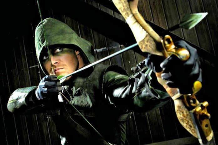 Stephen Amell habla de una posible película sobre Arrow