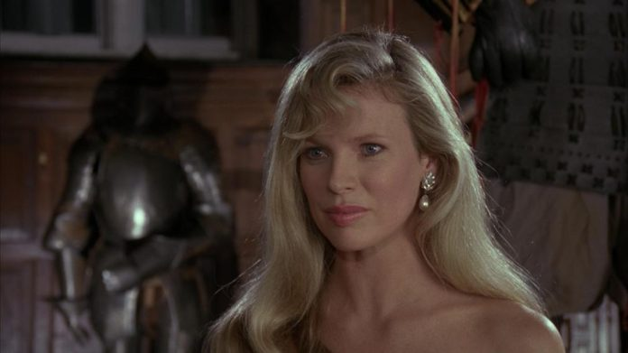 Gotham temporada 3: Llega la reportera Vicki Vale, en la imagen Kim Basinge en Batman (1989)