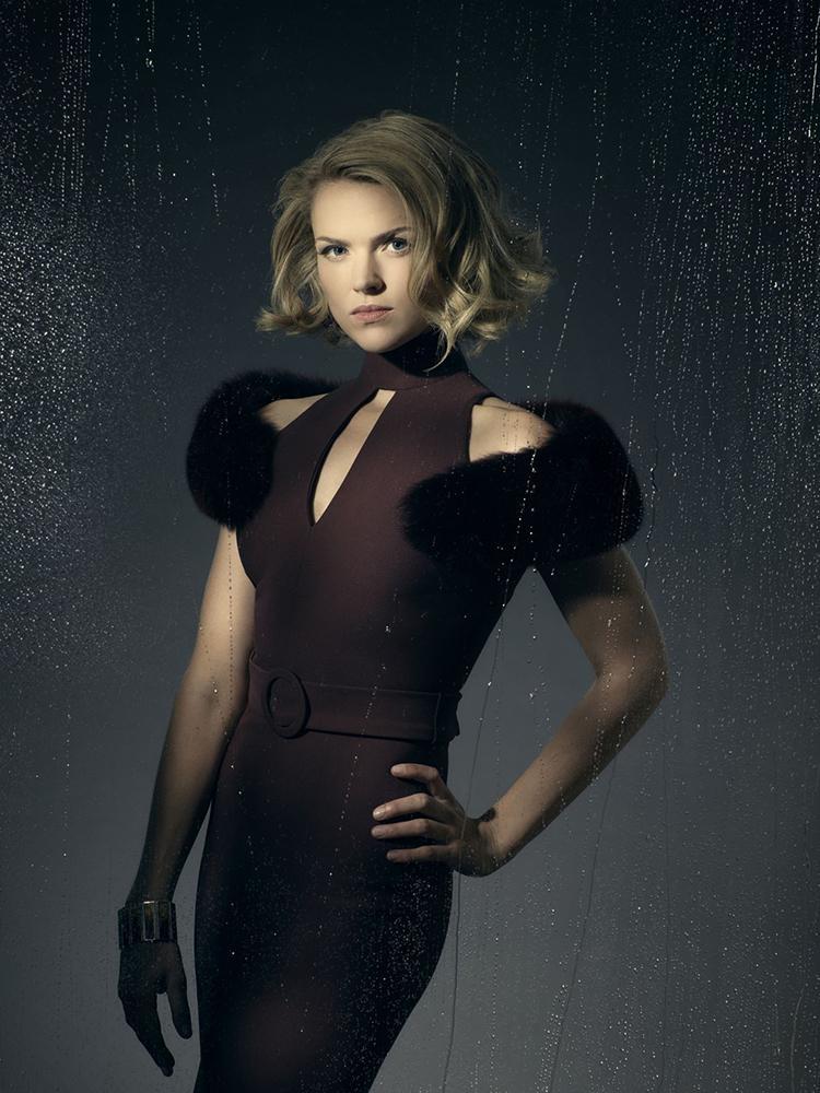 Gotham temporada 3 galería de personajes principales - Erin Richards como Barbara Kean