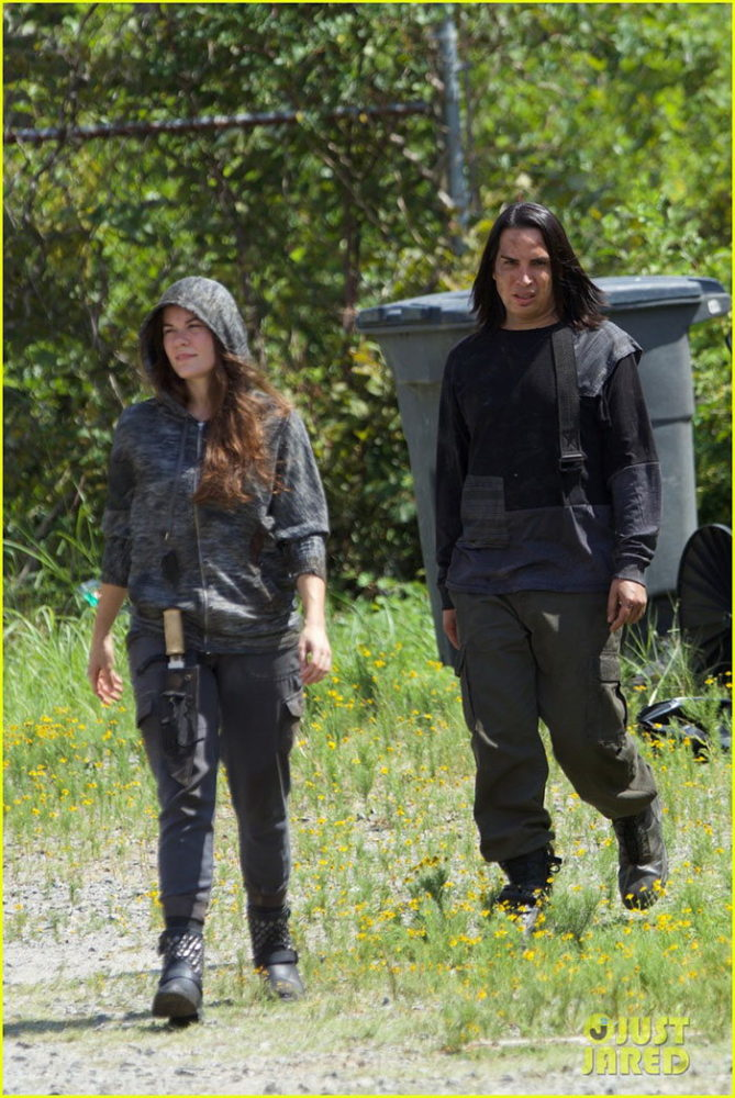 twd justjared_2
