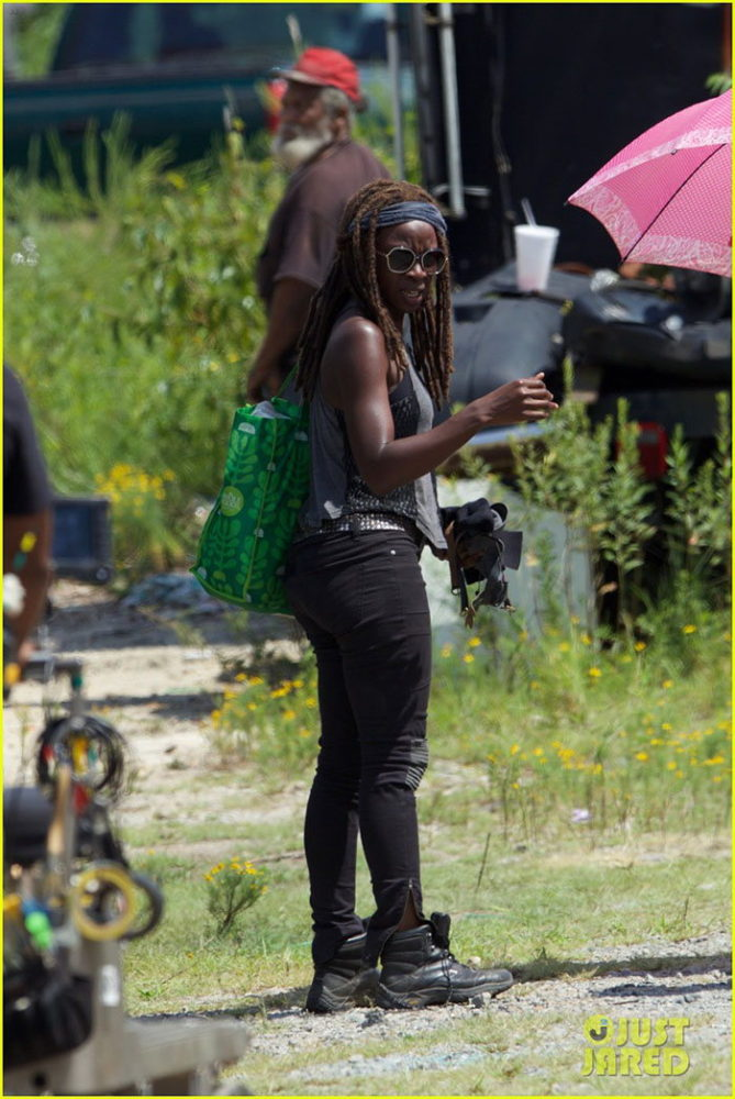 twd justjared_7