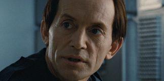 Legends of Tomorrow temporada 2 Lance Henriksen confirma que Obsidian es hijo de Linterna verde