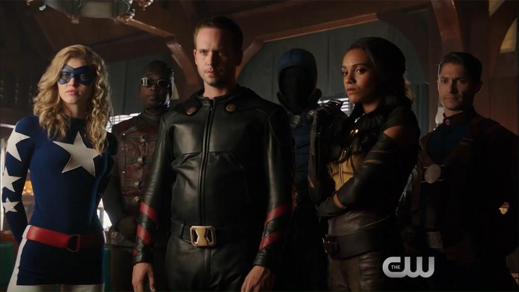 Legends of Tomorrow temporada 2: Tráiler extendido con imágenes del crossover