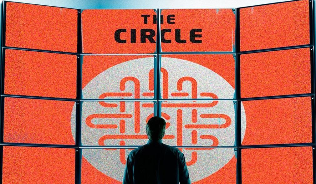 Emma Watson se enfrenta a Tom Hanks en el tráiler de 'The Circle'