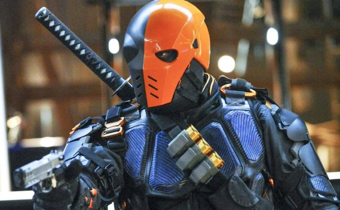 Stephen Amell confirma el regreso de Deathstroke en la temporada 5 de 'Arrow'