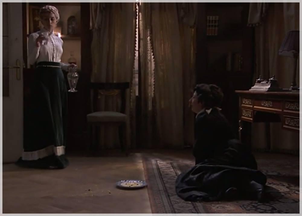 Úrsula intenta lberarse antes de que Cayetana acabe con ella en acacias 38
