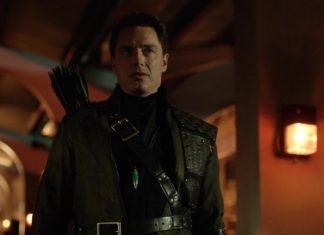 Malcolm Merlyn podría hacer un sorprendente regreso en la temporada 6 de 'Arrow'