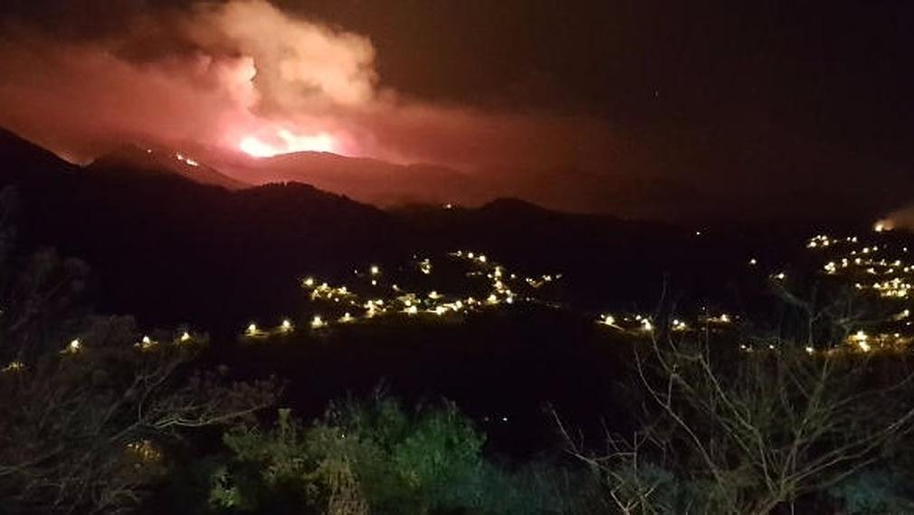 Más de 2000 hectáreas quemadas y 800 personas evacuadas en el incendio de Gran Canaria