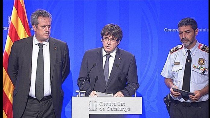 El Gobierno destituye a Trapero y la Fiscalía quiere detener a Puigdemont y al resto del Govern