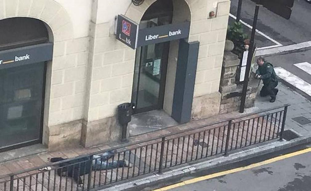 Tiroteo en Asturias por atraco a una sucursal bancaria — España