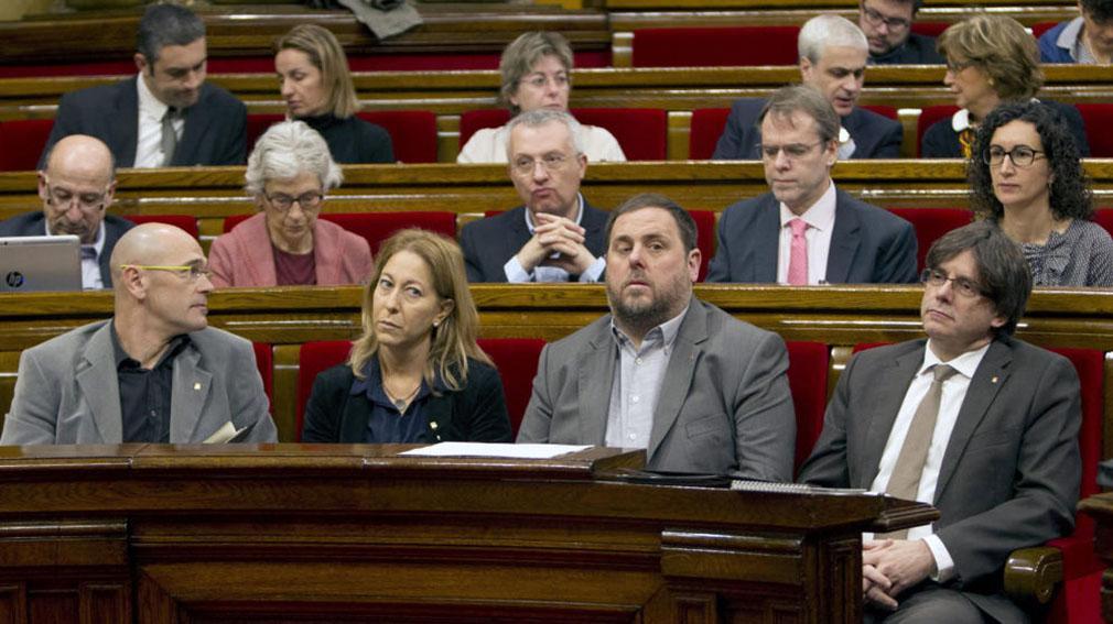 Los altos cargos del Govern serán cesados por el Gobierno, si no respetan la legalidad