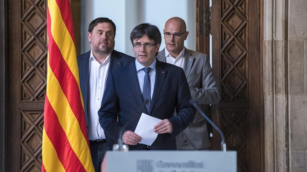 Presiones sobre Puigdemont para evitar la declaración unilateral de independencia de Cataluña