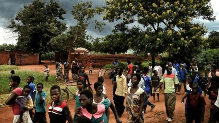 ONU huye de Malawi por psicosis de' vampiros'; reportan 6 muertos