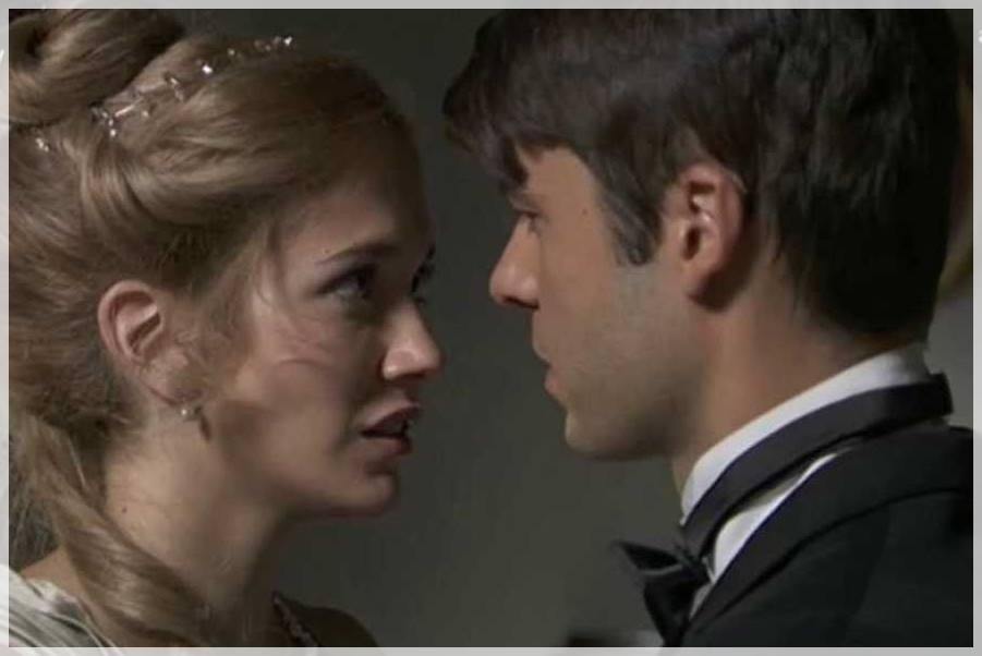simón y elvira acaban besándose en Acacias 38