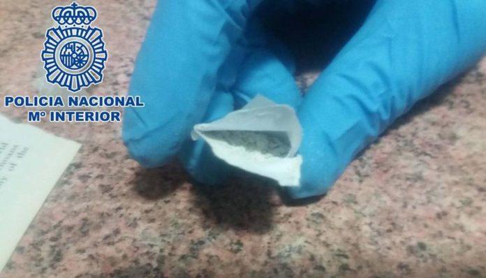 Detenida por enviar sobres con polvos blancos a organismos de la Comunidad de Madrid, Málaga y Mérida