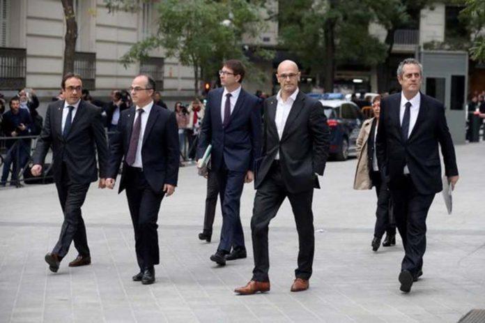 Sale de prisión exconsejero del gobierno secesionista de Cataluña