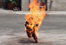 El sorprendente caso de un hombre que ardió al instante en plena calle