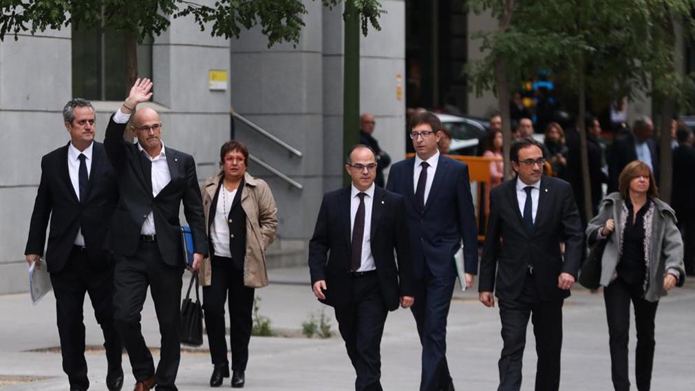 Libertad bajo fianza para 6 exconsellers, pero no para Junqueras, los Jordi y Forn