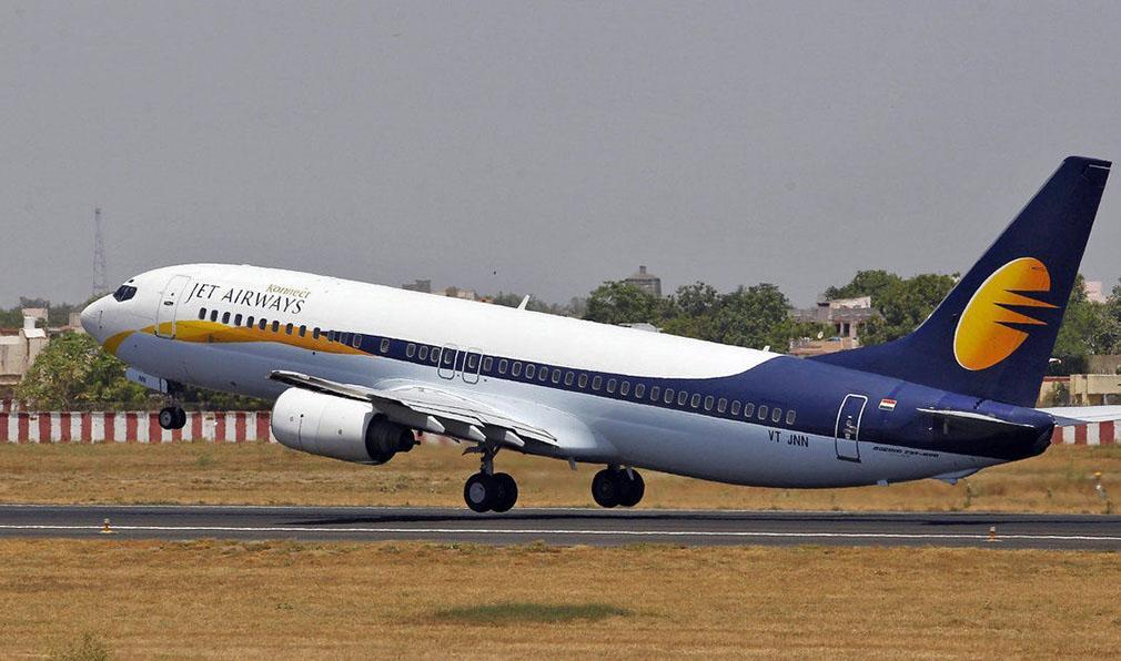 Pilotos de avión se pelean en pleno vuelo y abandonan la cabina