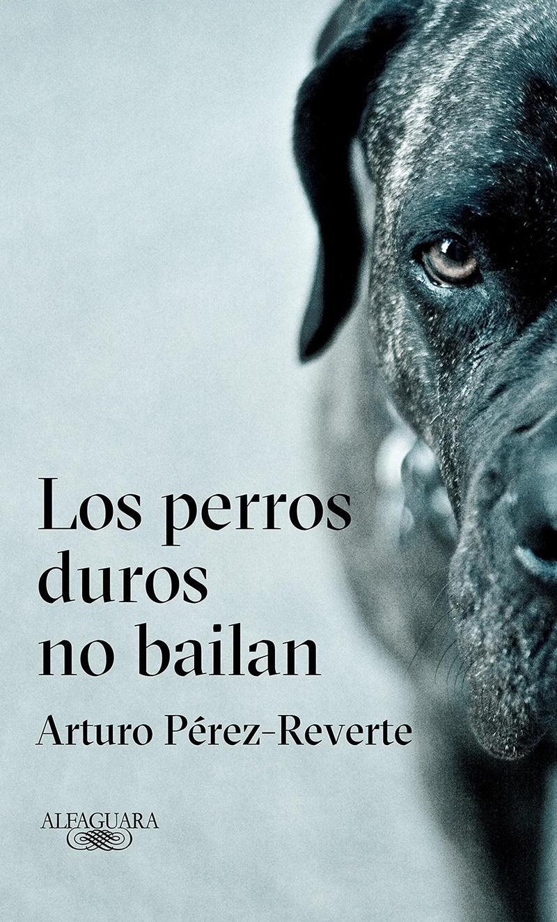 Arturo Pérez Reverte se cuela entre los libros más vendidos